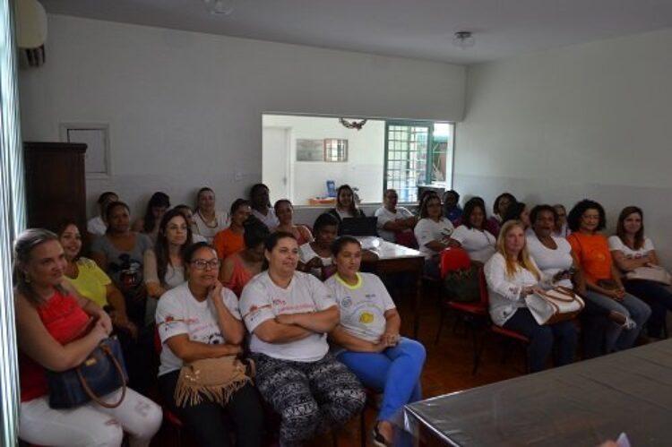 Vigilância Epidemiológica realiza capacitação de Agentes Comunitárias para controle do Aedes Aegypty