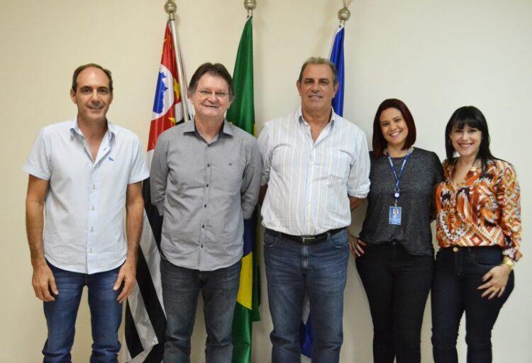 Prefeitura Municipal de Cosmópolis firma parceria com o Sebrae