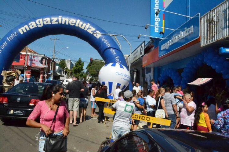Magazine Luiza inaugura loja em Cosmópolis