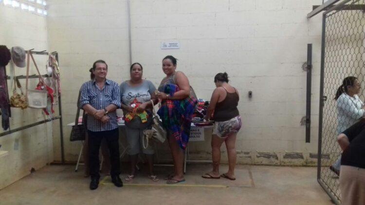 Centro de Referência de Assistência Social distribui doações arrecadas na Campanha do Agasalho