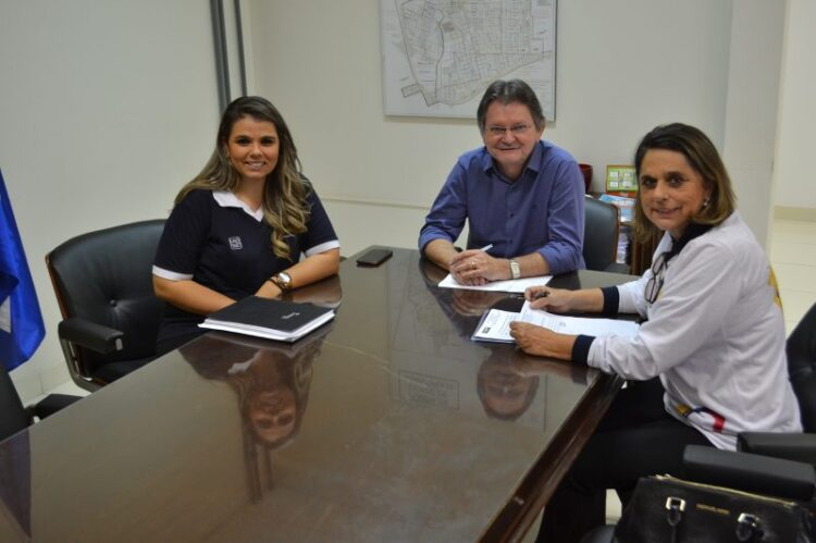 Parceria firmada entre Prefeitura e UNIP concede desconto para moradores de Cosmópolis