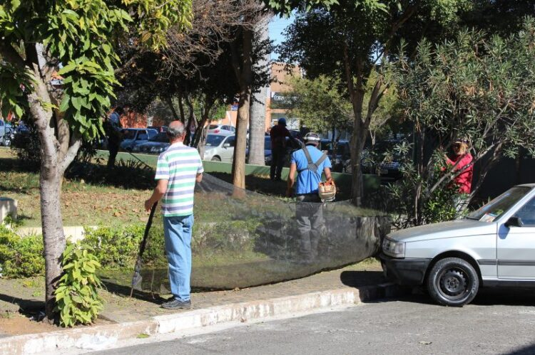 "Prefeitura realiza oitava etapa do Mutirão ""Pintou Limpeza"" neste sábado (5)"