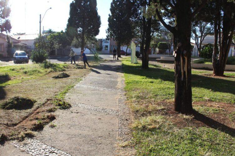 Sétimo mutirão Pintou Limpeza é realizado na Praça da Matriz