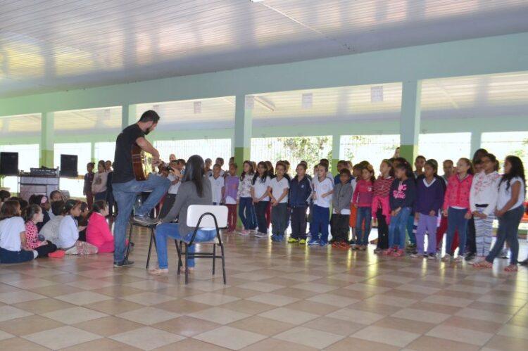 Escolas Municipais realizam atividades em comemoração ao Dia dos Pais