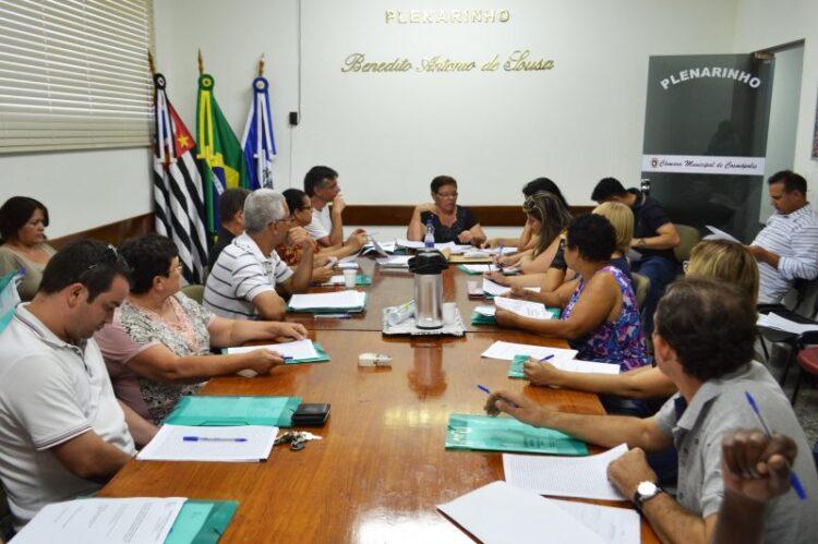 Conselheiros e suplentes tomam posse do Conselho Municipal de Saúde