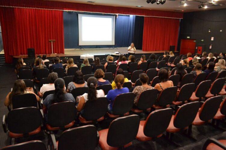 Secretaria de Educação realiza capacitação para profissionais da rede municipal de ensino