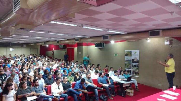 Representantes de Cosmópolis participam de qualificação do Programa Município Verde e Azul