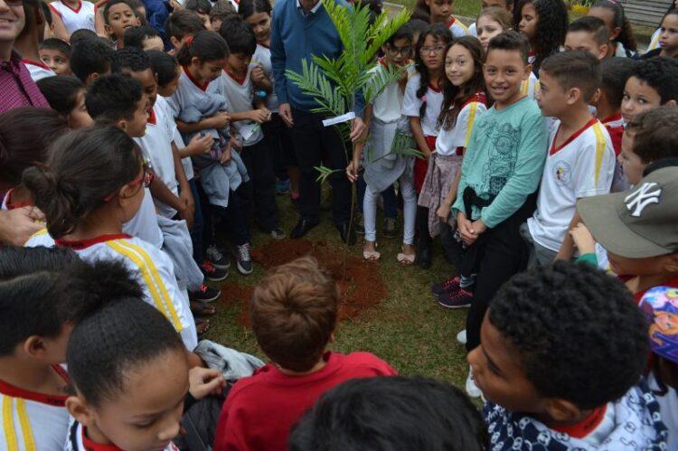 Semana do Meio Ambiente 2018 é encerrada com mais de 200 árvores plantadas