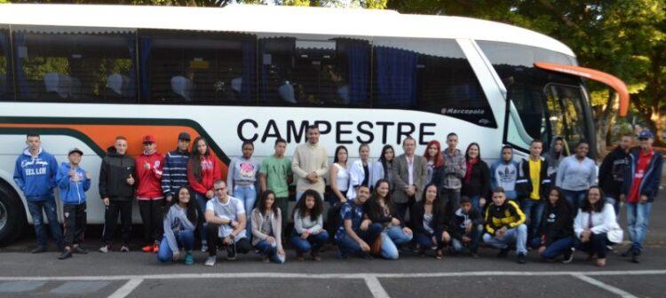 Alunos do Programa Ação Jovem visitam museus em São Paulo