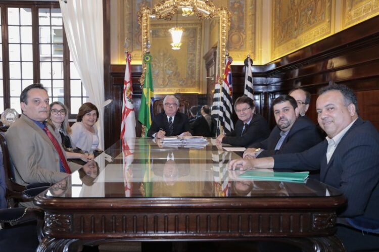 Comitiva de Cosmópolis tem reunião com o presidente do Tribunal de Justiça do Estado de São Paulo