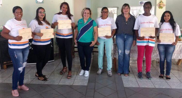 Prefeitura conclui cursos de capacitação profissional