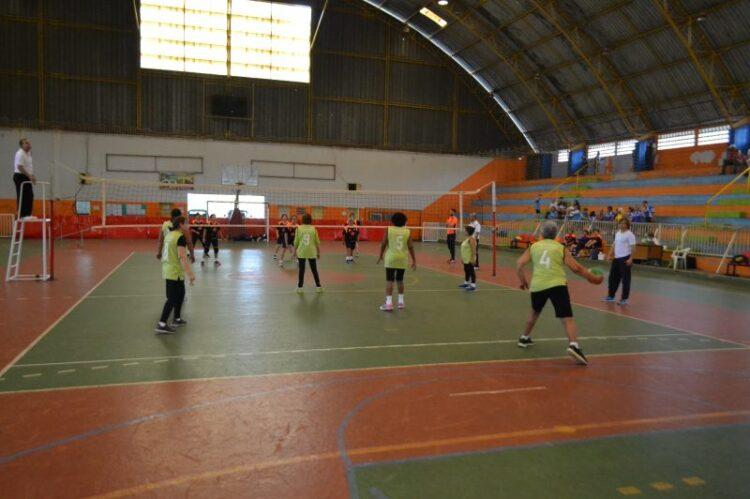 "Cosmópolis sedia 4ª etapa do ""Campeonato ADR de Voleibol Feminino Adaptado 60 anos +"""
