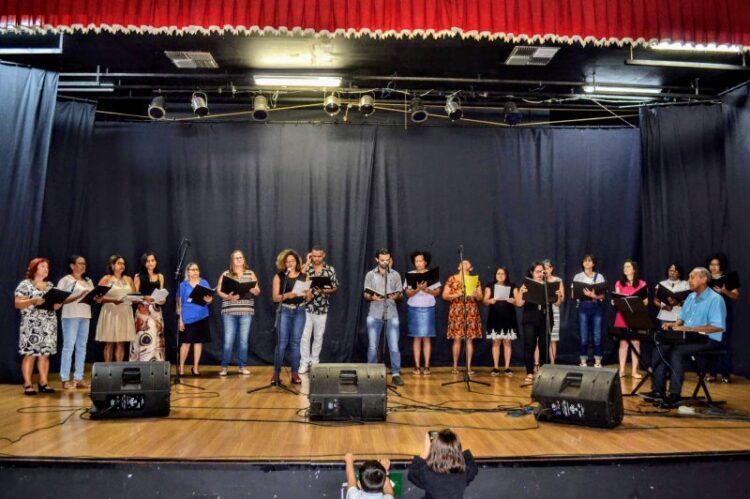 Projeto Espaço Villa Musical abre inscrições para aulas de música, inglês e informática, em Cosmópolis