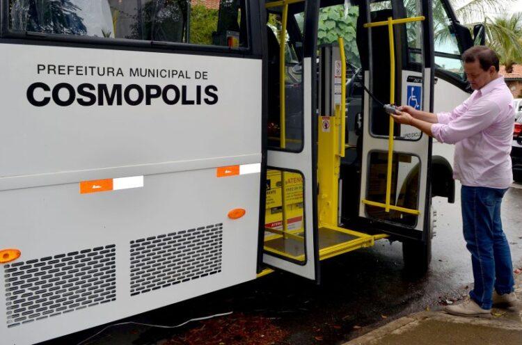 Secretaria de Saúde recebe mais um veículo de transporte adaptado