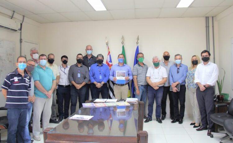 Prefeitura firmar parceria com o Sebrae