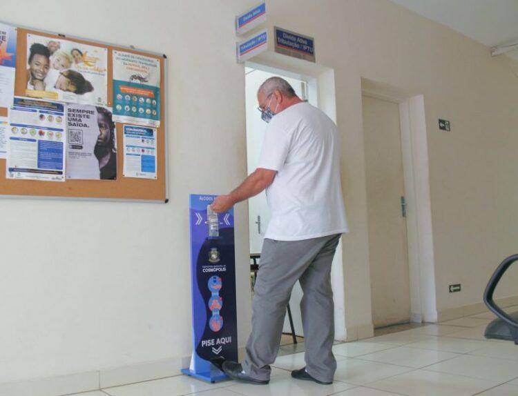 Prefeitura instala totens de álcool em gel