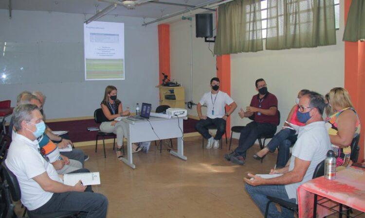 Autoridades se reúnem com Sebrae para treinamento sobre empreendedorismo dentro da gestão pública