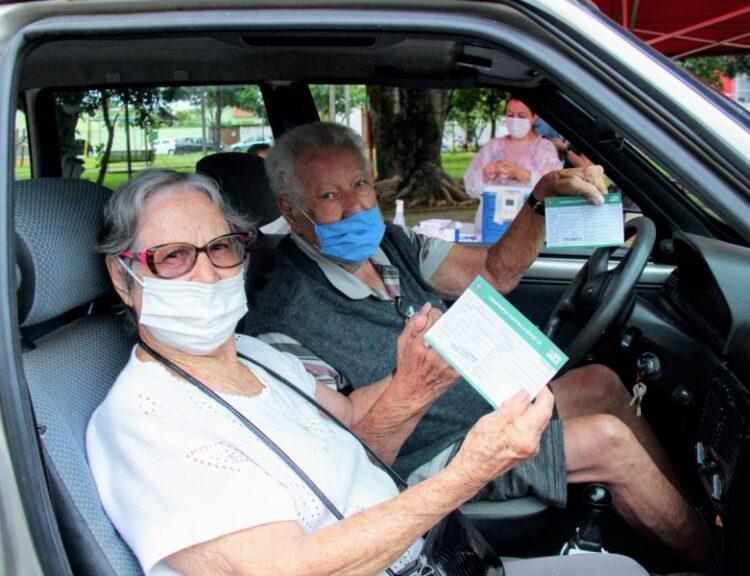 Início da vacinação dos idosos de 85 a 89 anos