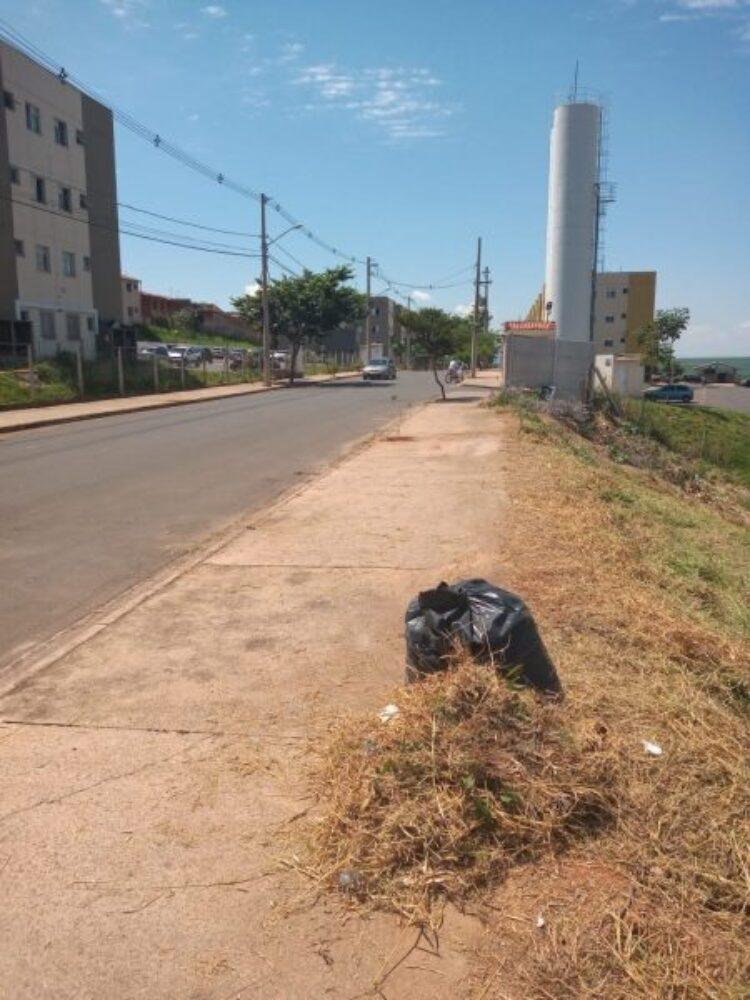 """Meio Ambiente e Serviços Públicos realizam ações nos """"Predinhos"""""""