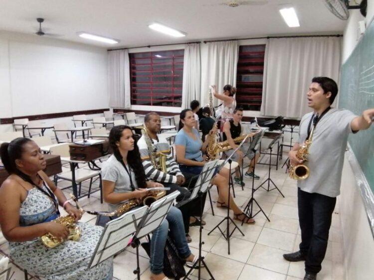 Aulas de Música no projeto Espaço Villa-Musical