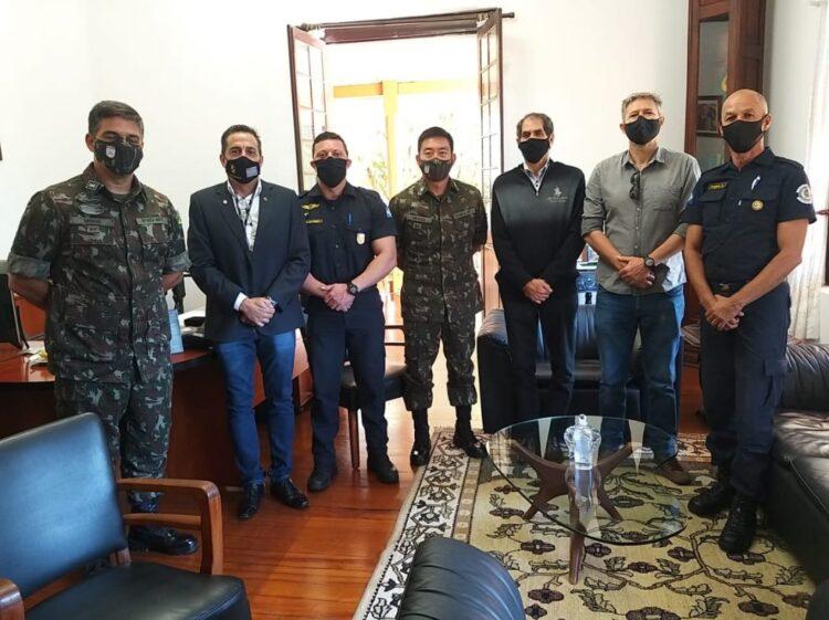 Polícia Municipal realiza visitas no Batalhão de Infantaria Leve do Exército e na DIG Americana