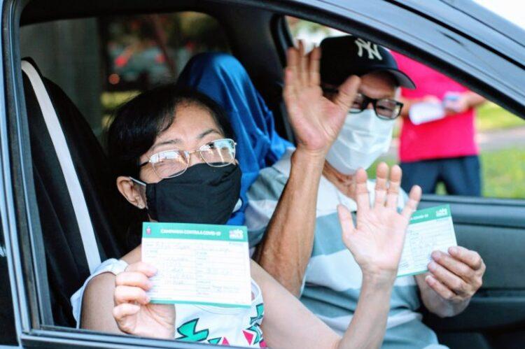 Cosmópolis inicia vacinação dos idosos com 67 anos