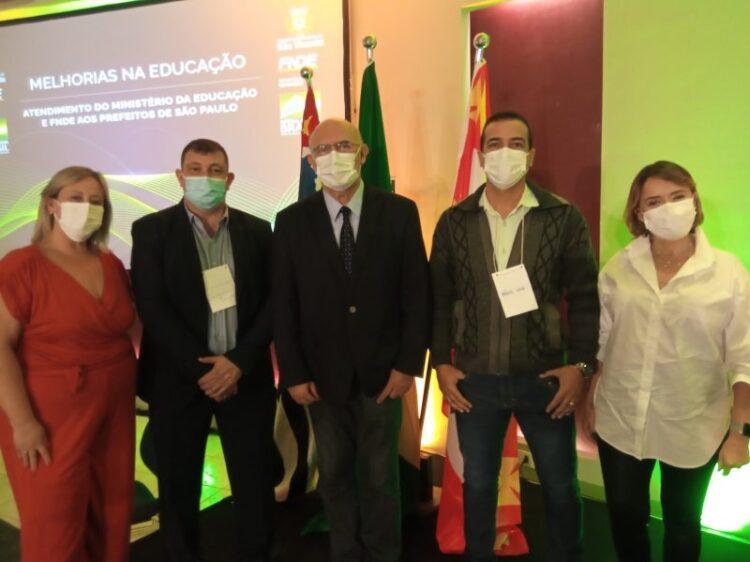 Equipe da Educação participa de encontro com Ministro da Educação