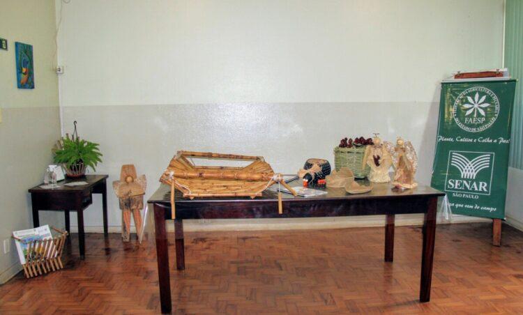 Agricultura e Meio Ambiente realiza exposição de artesanatos da oficina Técnicas de Artesanato em Bambu
