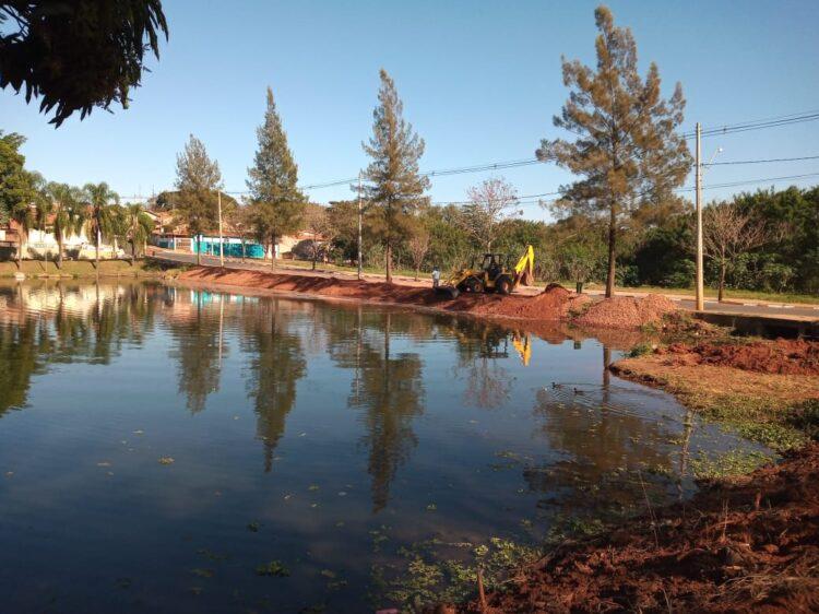 Revitalização na Lagoa da Cosmo segue em ritmo acelerado