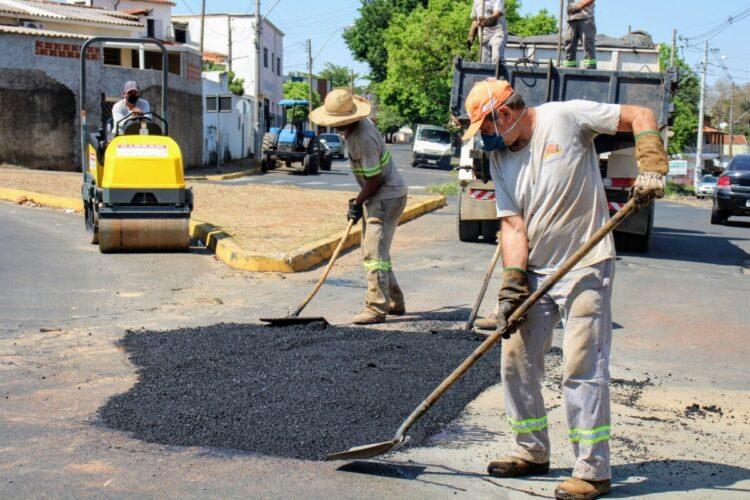 Prefeitura retoma operação 'tapa buraco' em sete bairros