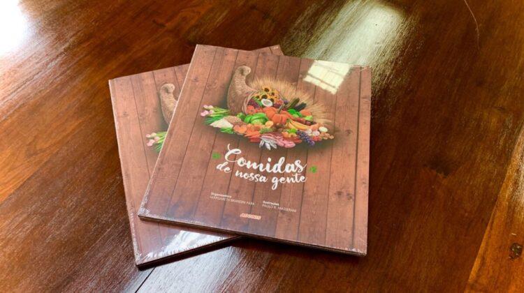 Editora Adonis doa exemplares do livro 'comidas da nossa gente'